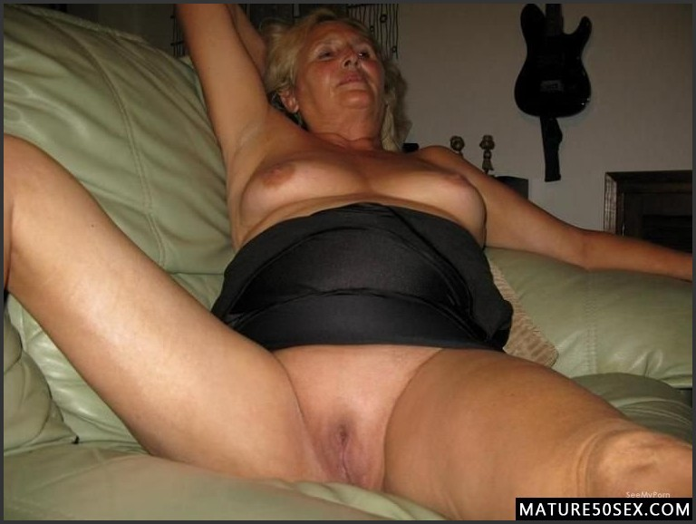 Bare wet pussy